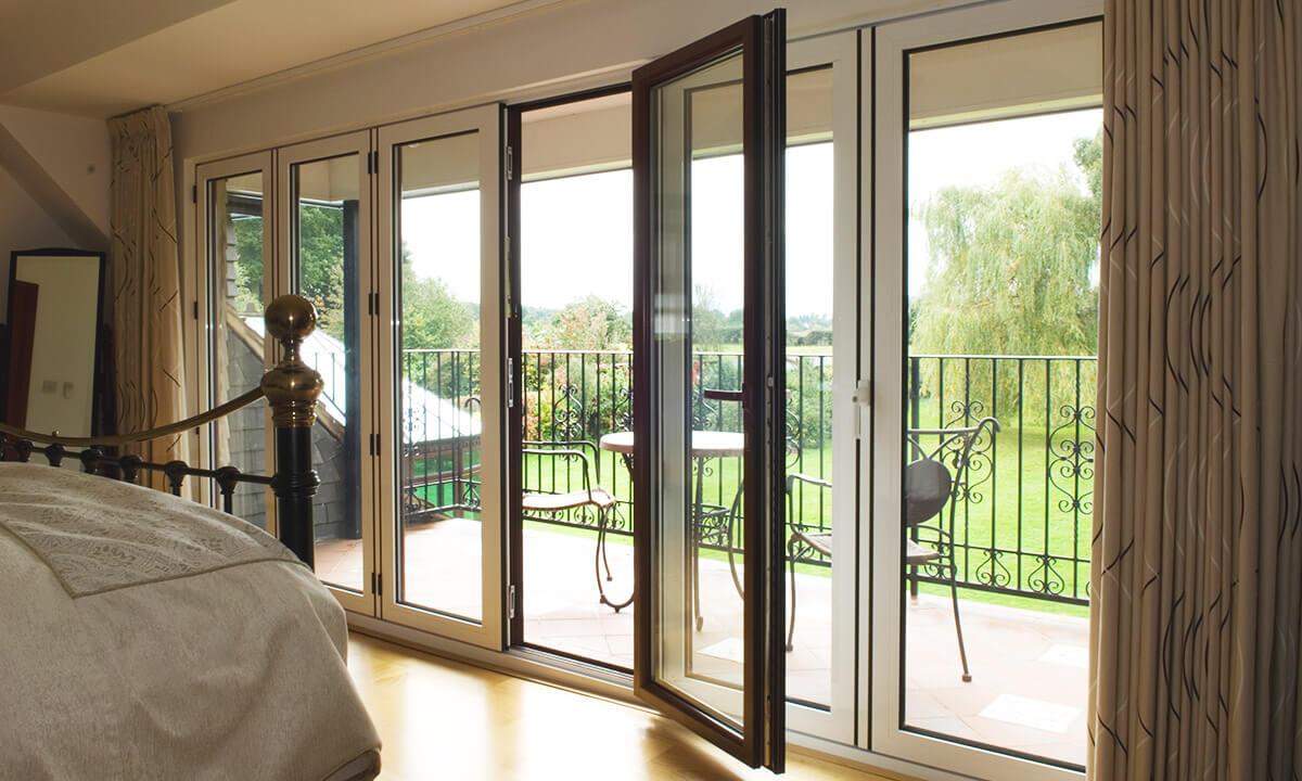 Dual colour aluminium bifold doors